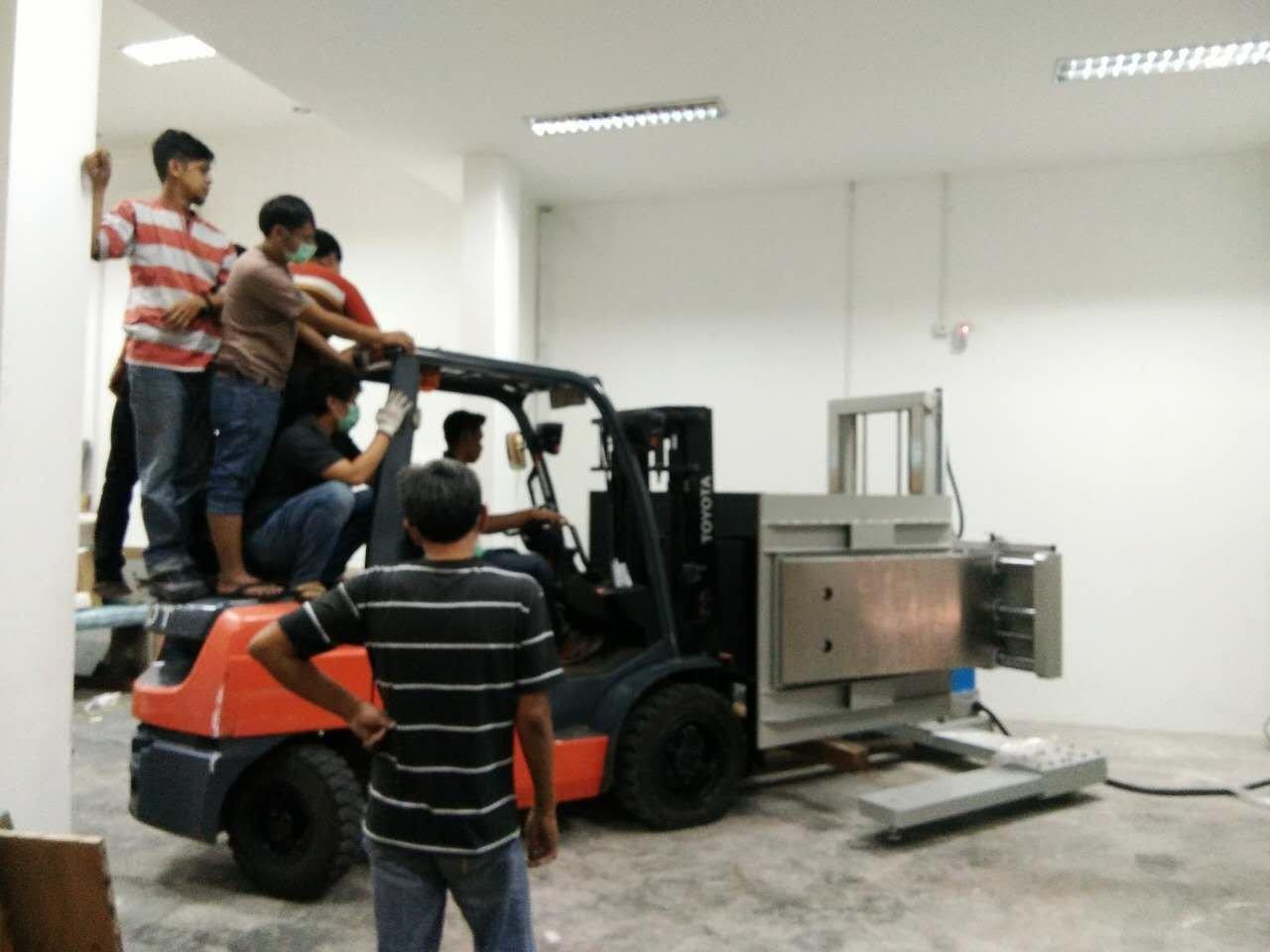 Indonesian customer installation service process